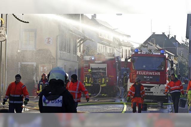 Hoher Schaden bei Brand in Grenzach