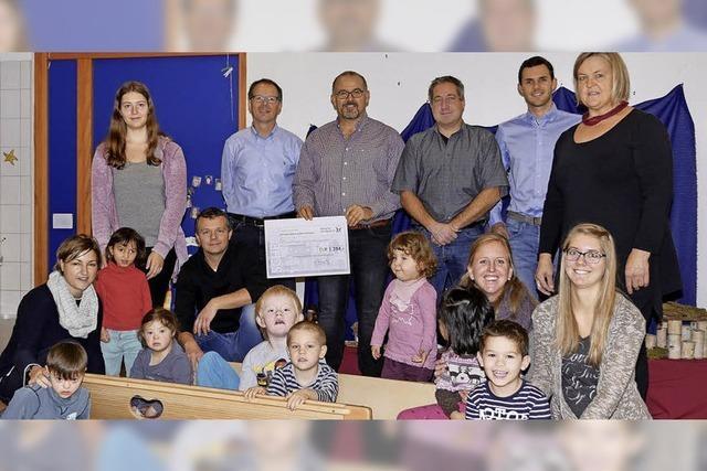 Eine Spende für den Christian-Zeller-Schulkindergarten