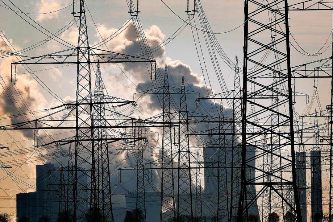 Braunkohlekraftwerke gelten als Belastung für das Klima.     Foto: DPA