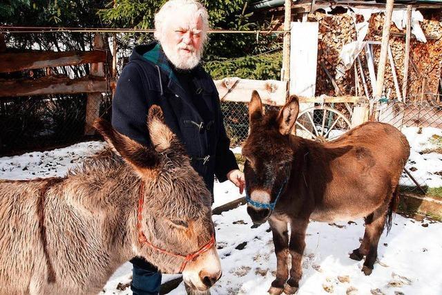 Sorge um kranke Eselstute Emma aus Lenzkirch