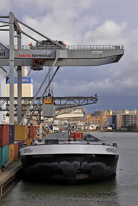 Basel profitiert vom Boom der Containerschifffahrt.   | Foto: gra