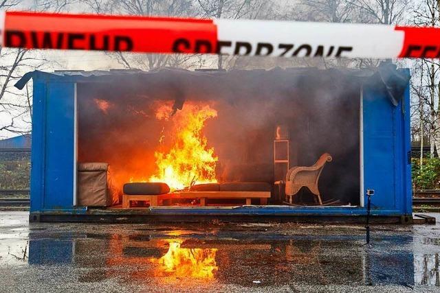 Wenn das Wohnzimmer zu Übungszwecken in Flammen aufgeht