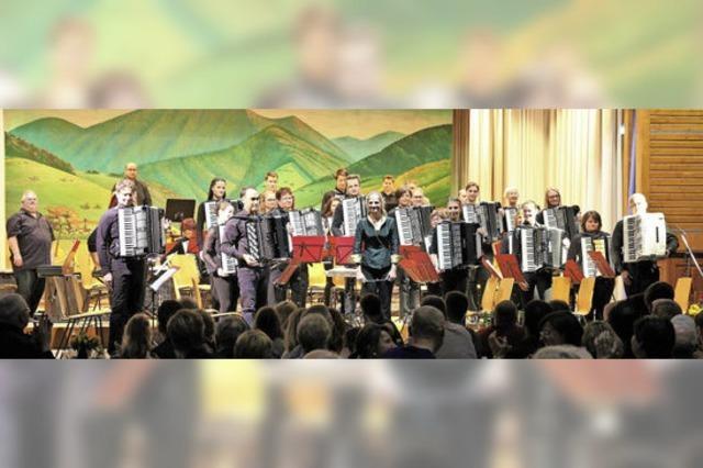 Akkordeongruppe Münstertal und andere in Waldkirch