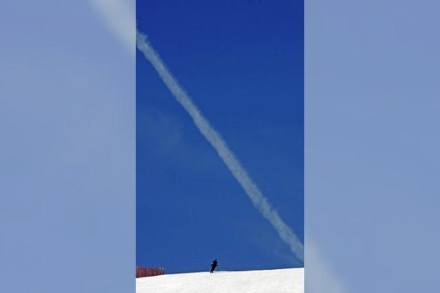 Die Skier schnappen und raus in den Schnee