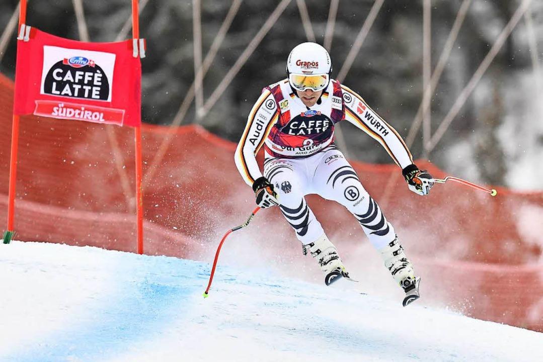 Josef Ferstl auf seiner Fahrt zum Sieg bei der Weltcup-Abfahrt in Gröden.   | Foto: afp