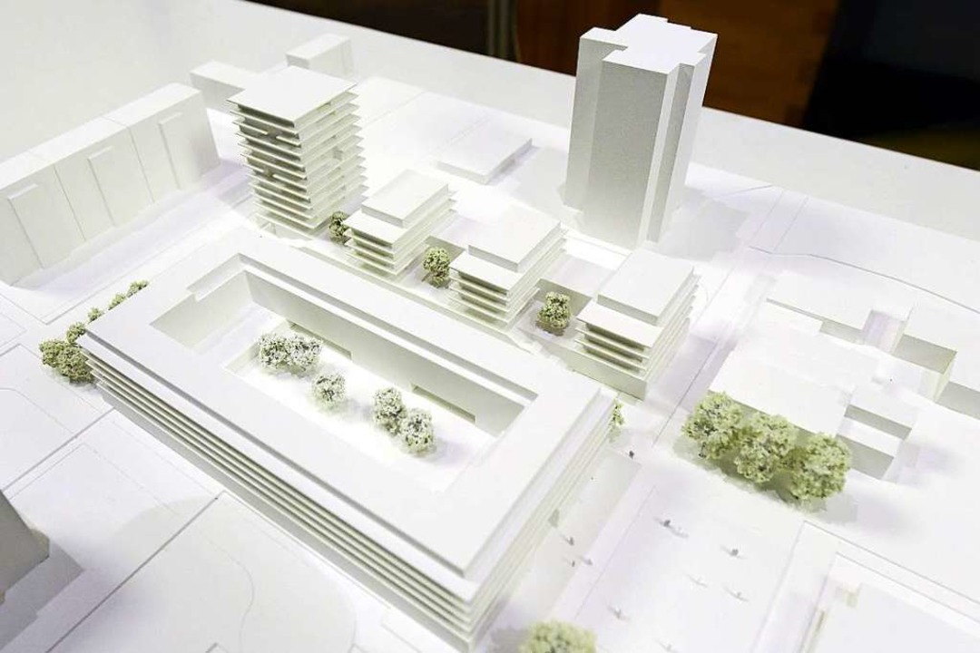 Die geplante Verteilung der Gebäude ze... am Ende auf dem bisherigen Parkplatz.    Foto: Thomas Kunz