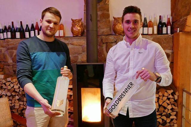 Zwei junge Bahlinger brennen selbst entwickelten naturtrüben Gin