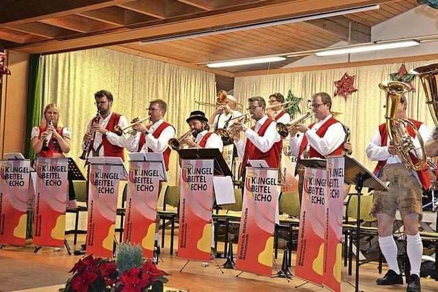 Musiker bieten einen bunten Melodienstrauß