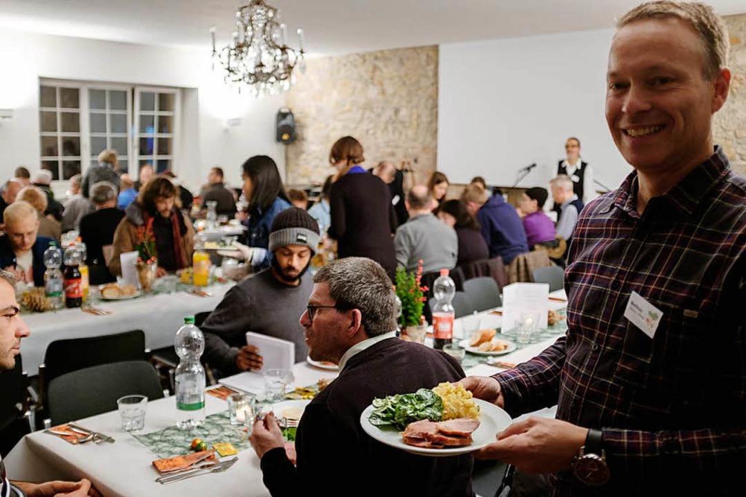 Zum gemeinsamen Weihanchtsfest in der ...wache und einsame Menschen eingeladen.  | Foto: Ansgar Taschinski