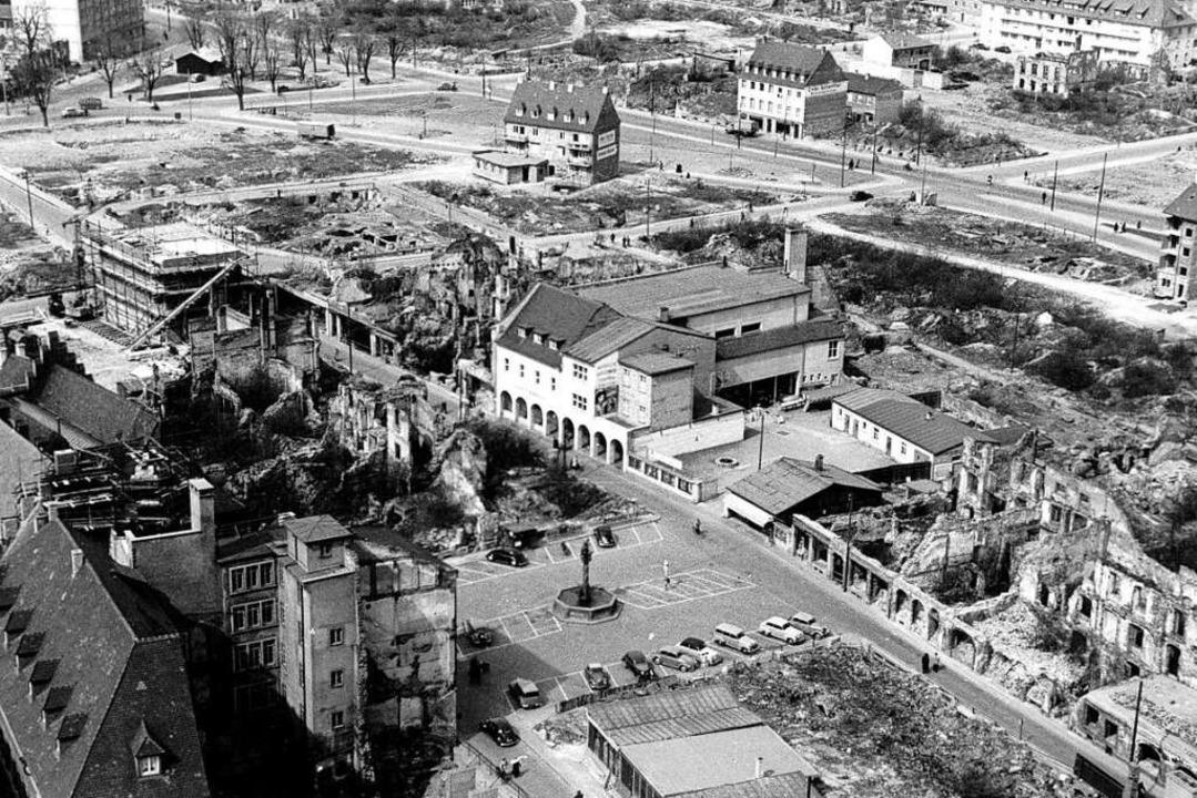 Das historische Bild ist  Mitte der 19...e und weitgehend geräumte Weberstraße.    Foto: Archiv Hans Sigmund