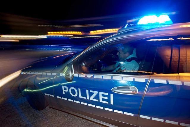 14 Männer randalieren in Bad Bellinger Pension – Polizei muss Verstärkung anfordern
