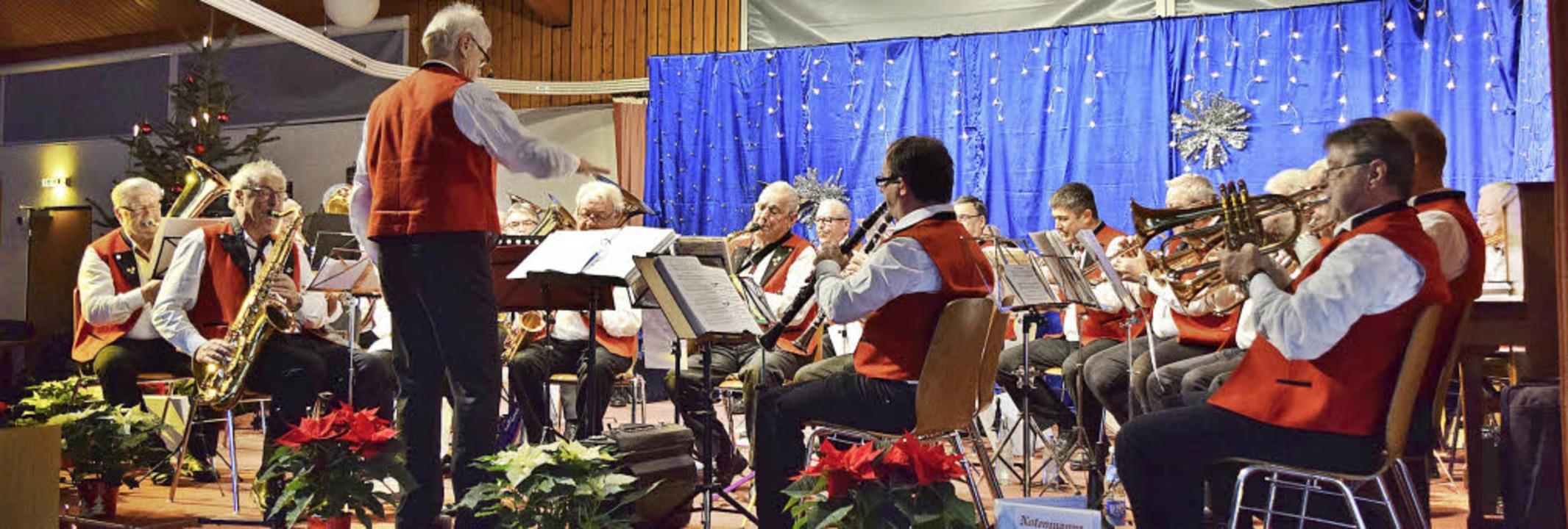 """Begeisterte beim Konzert im Kreissenio...enkapelle """"Lustige 50er"""".     Foto: Marie Wintergerst"""