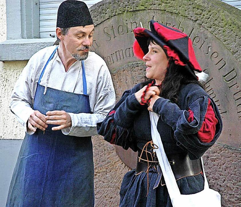 Das Ehepaar Barbara und Thomas Kern macht  seit 25 Jahren Stadtführungen.     Foto: Hubert Bleyer