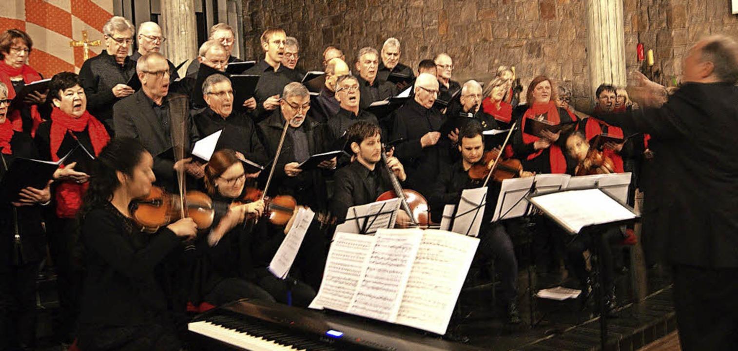 Die Chorgemeinschaft Bad Säckingen, da...et wurde das Konzert von Markus Süß.      Foto: Maria Schlageter