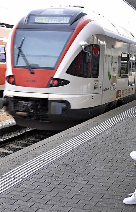 In Zukunft soll zum Flughafen  eine S-Bahn fahren.   | Foto: Daniel Gramespacher