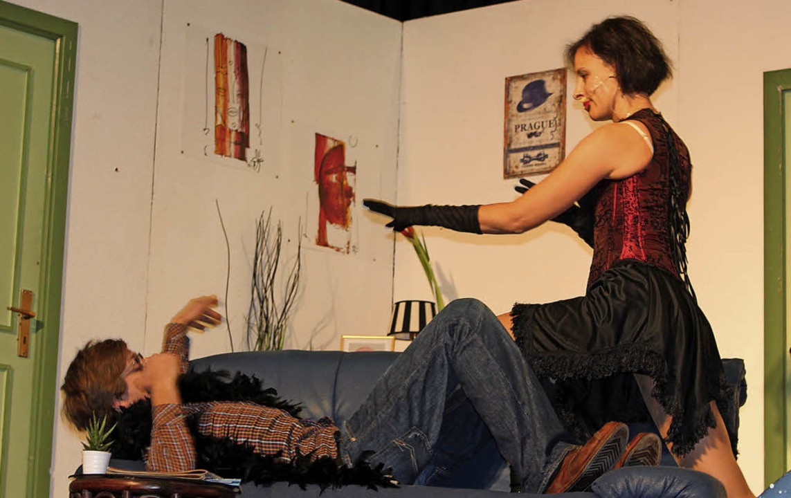 Unadinger Adventstheater: Eine besonde...rtin (Andreas Egy) total verunsichert.    Foto: Christa Maier
