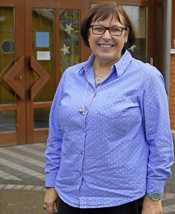 Silvia Jäger vor dem katholischen Kindergarten Kürzell   | Foto: U. Derndinger