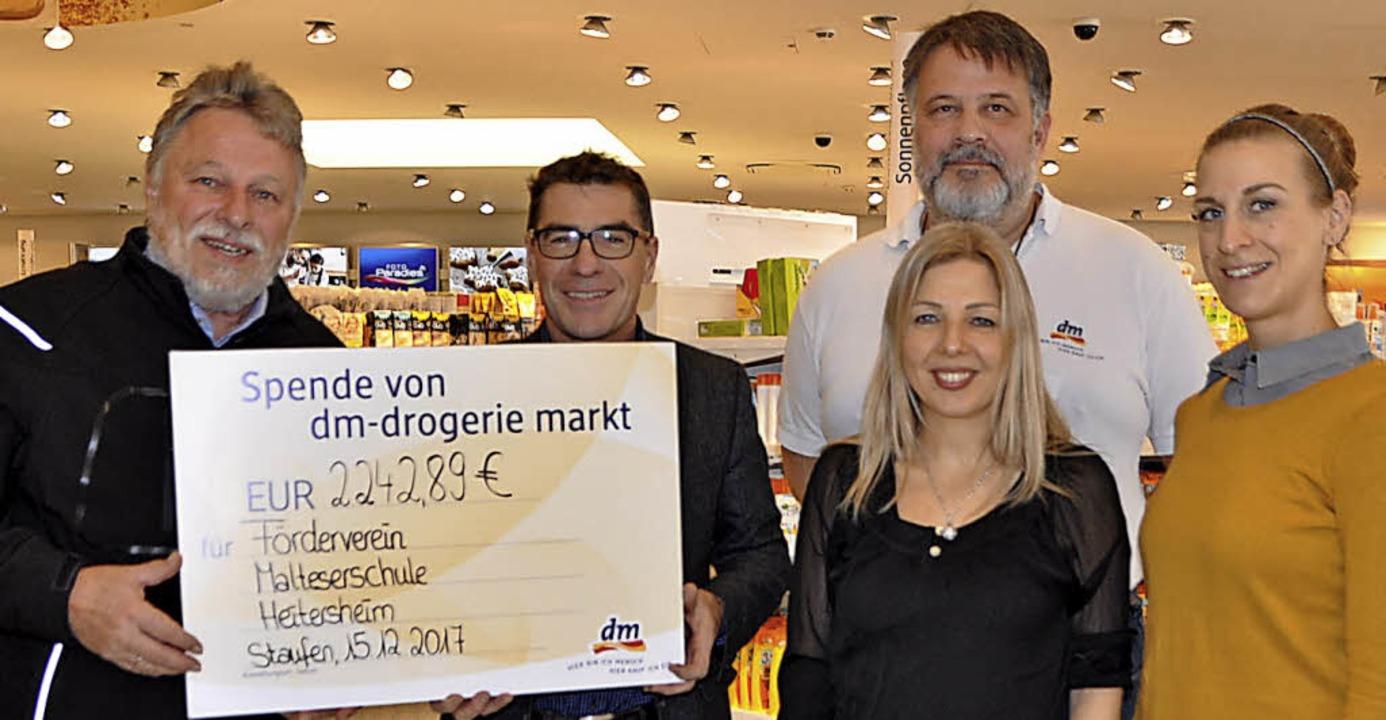 <BZ-FotoAnlauf>DM-Drogeriemärkte</BZ-F...sch, Andreas Spinzig und Laura Ehring     Foto: Rainer Ruther