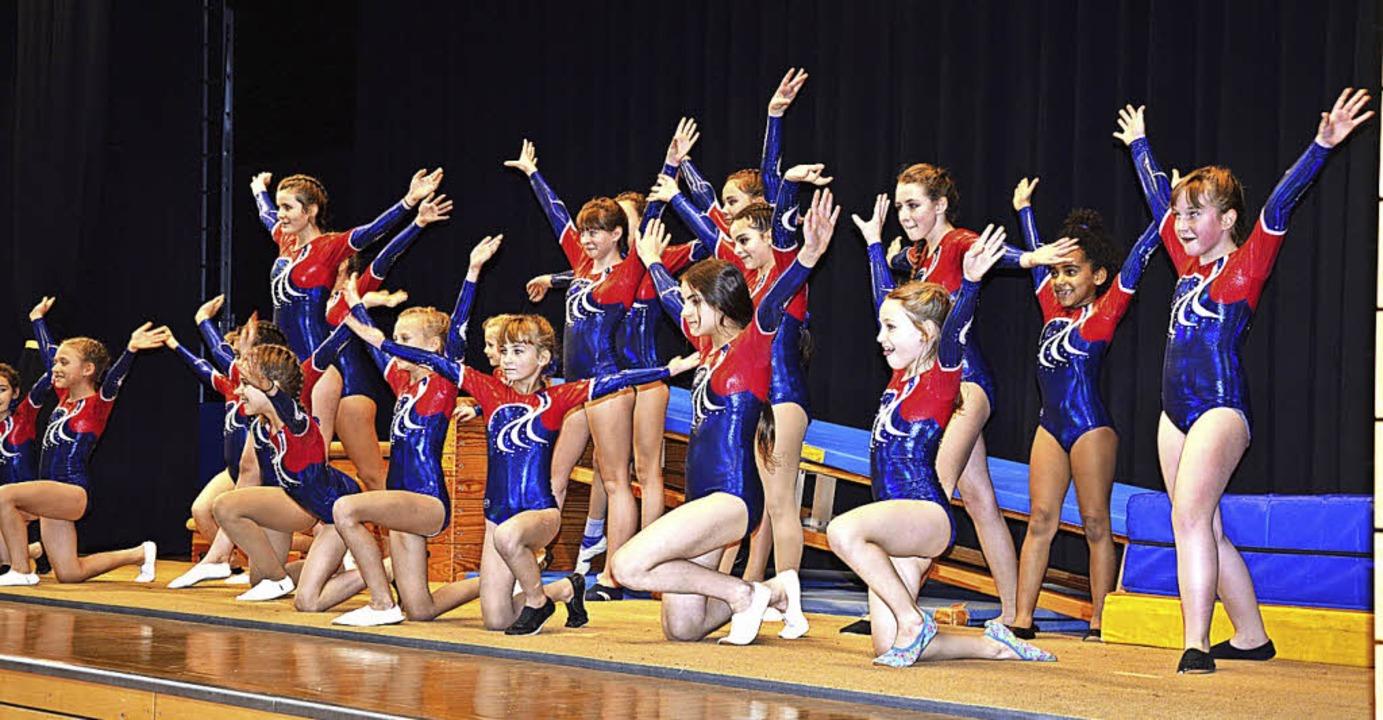 Die Jugend-Gymnastik-Gruppe des TuS Ma...tsfeier, was sie sportlich drauf hat.   | Foto: Georg Diehl