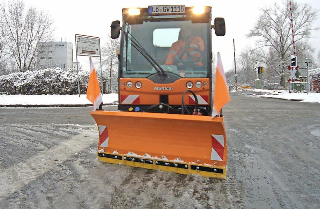 Auch die kleineren Räumfahrzeuge waren... Straßen geräumt und gestreut wurden.   | Foto: Sebastian Kurtenacker