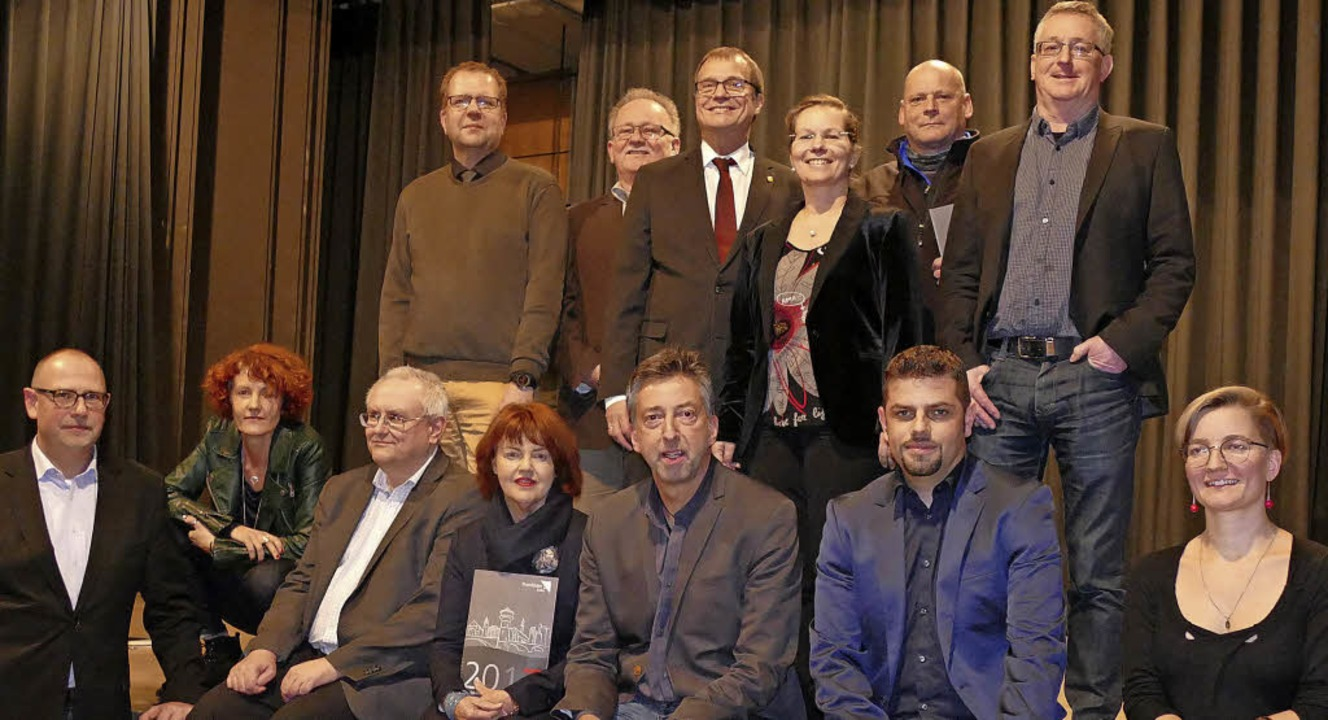 Ein starkes Team: Verwaltungsspitze mit Amtsleitern und Referenten   | Foto: Ingrid Böhm-Jacob