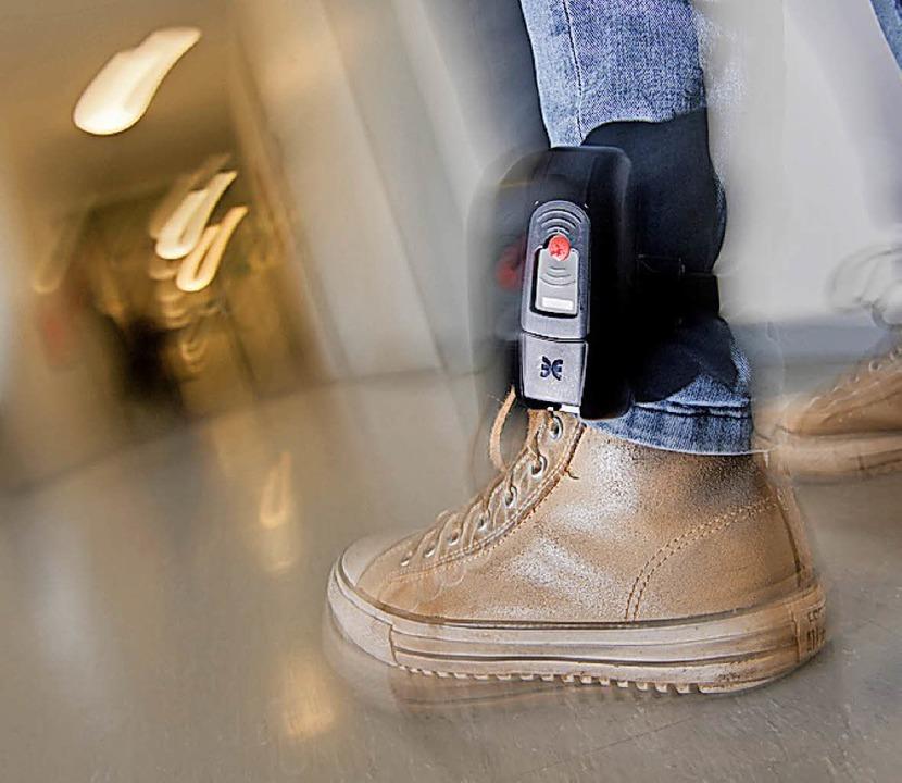 Elektronische Fußfessel gegen islamistische Gefährder     Foto: dpa