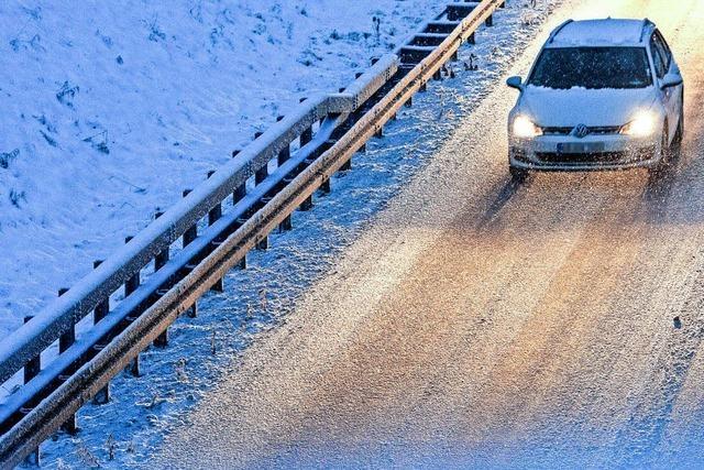 Mehr als 250 Unfälle nach Wintereinbruch