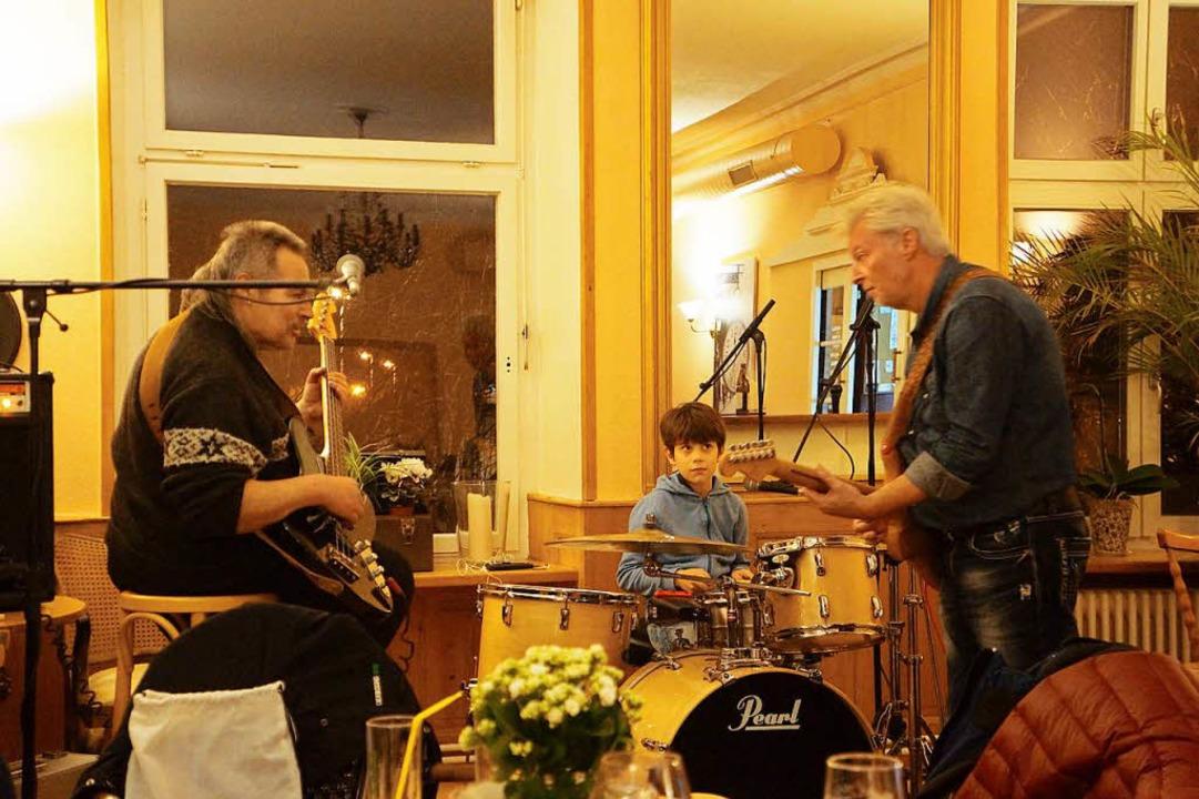 Die Open-Stage-Band, bestehend aus Nor...nks), Eric Imbriaco und Thomas Kramer.  | Foto: Sebastian Kurtenacker