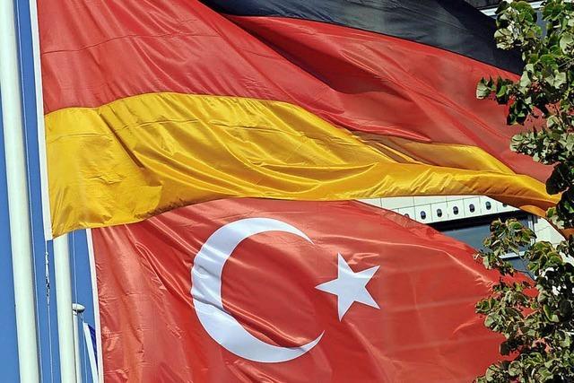 Hat ein Geschäftsmann türkische Grundstücke mit Firmengeld gekauft?