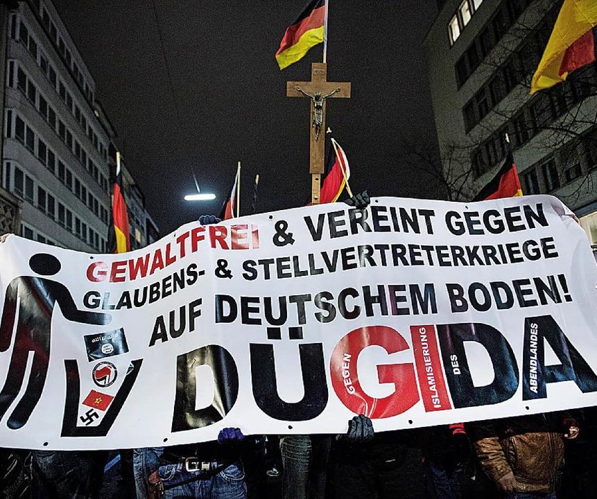 «Dügida» Demo in Düsseldorf  | Foto: Maja Hitij
