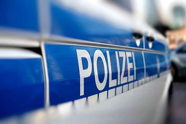 Rollerfahrer ohne Helm flüchtet vor der Polizei in Lörrach