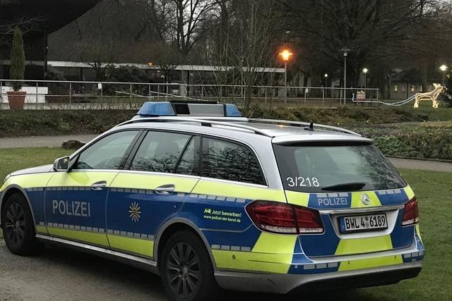 Sexualdelikt: Drei Männer attackieren 16-Jährige im Kurpark
