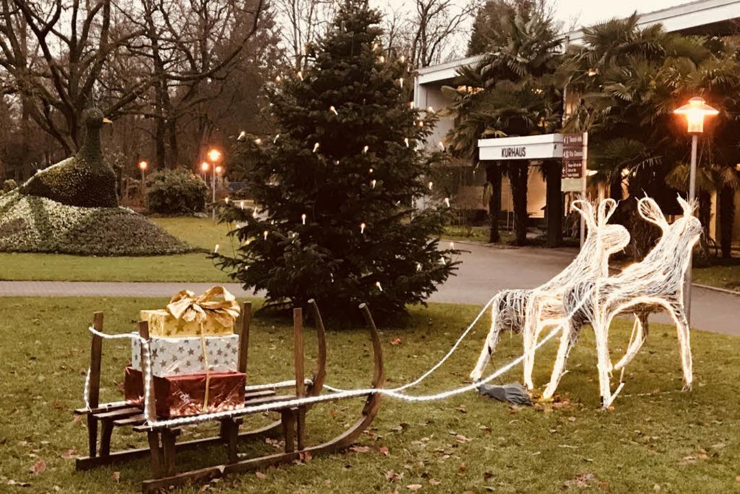 Die Stimmung im Park war am Mittwoch ansonsten weihnachtlich friedlich.  | Foto: Hans-Peter Müller
