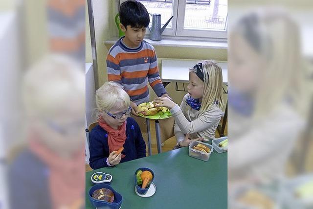 Gesundes Obst und Gemüse für die Schüler