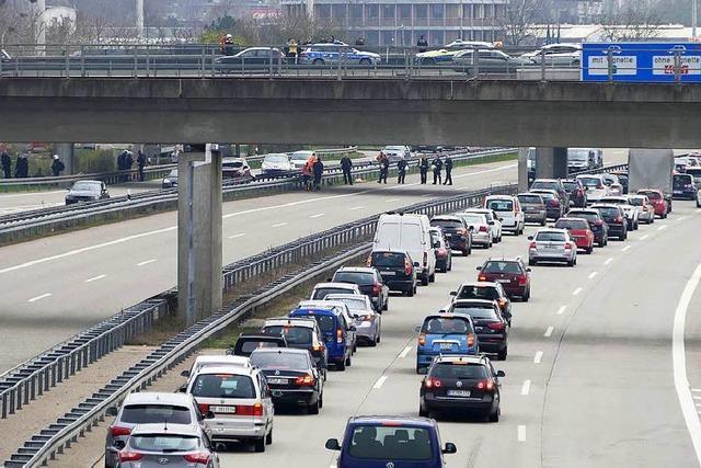 18 Strafbefehle und zwei Anklagen wegen der Blockade der A5 bei Weil am Rhein