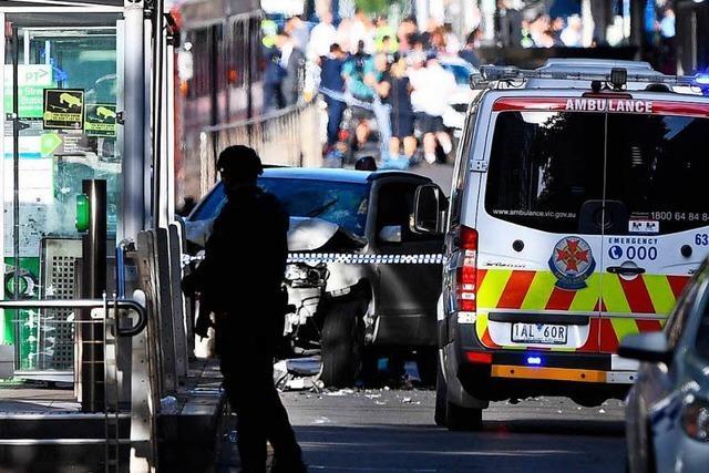 Autofahrer rast in Menschenmenge - kein Terrorverdacht