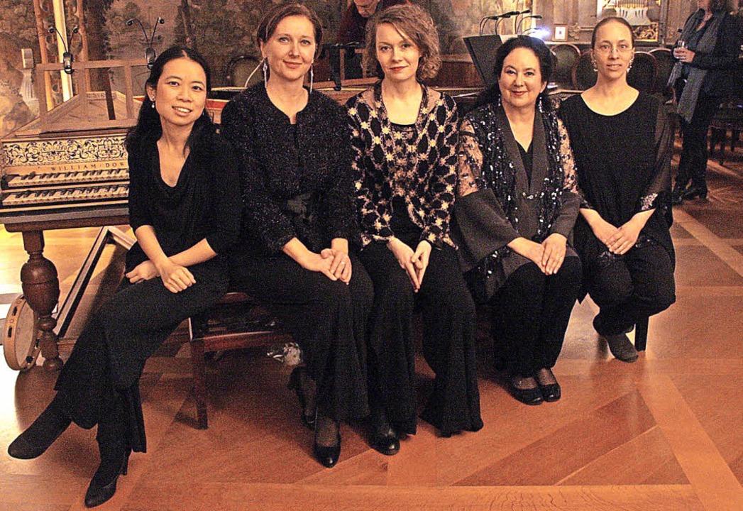 Die fünf Damen vom Berliner Cembalo En..., Mitzi Meyerson und Natalie Pfeiffer.  | Foto: Hans Jürgen Kugler
