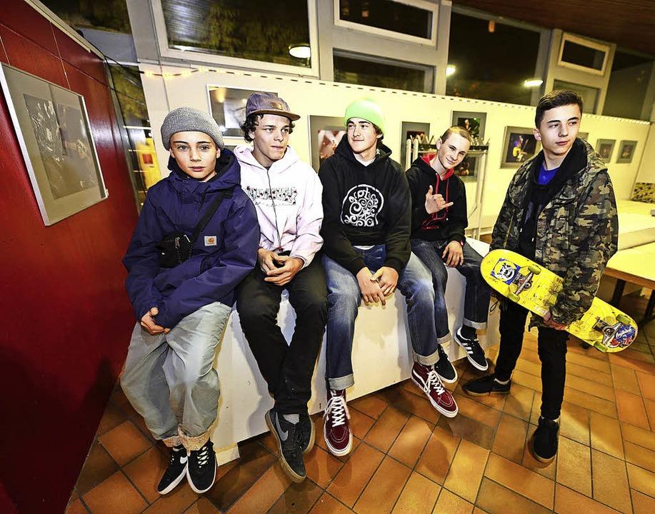 Junge Skater diskutierten im Haus der Jugend über das Gelände im Dietenbachpark.  | Foto: Ingo Schneider