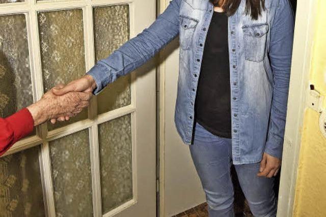 Freiwillige besuchen hilfsbedürftige Senioren in Denzlingen