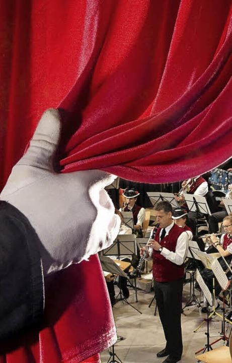 Vorhang auf: das Weihnachtskonzert kann beginnen<ppp></ppp>   | Foto: Erich Krieger