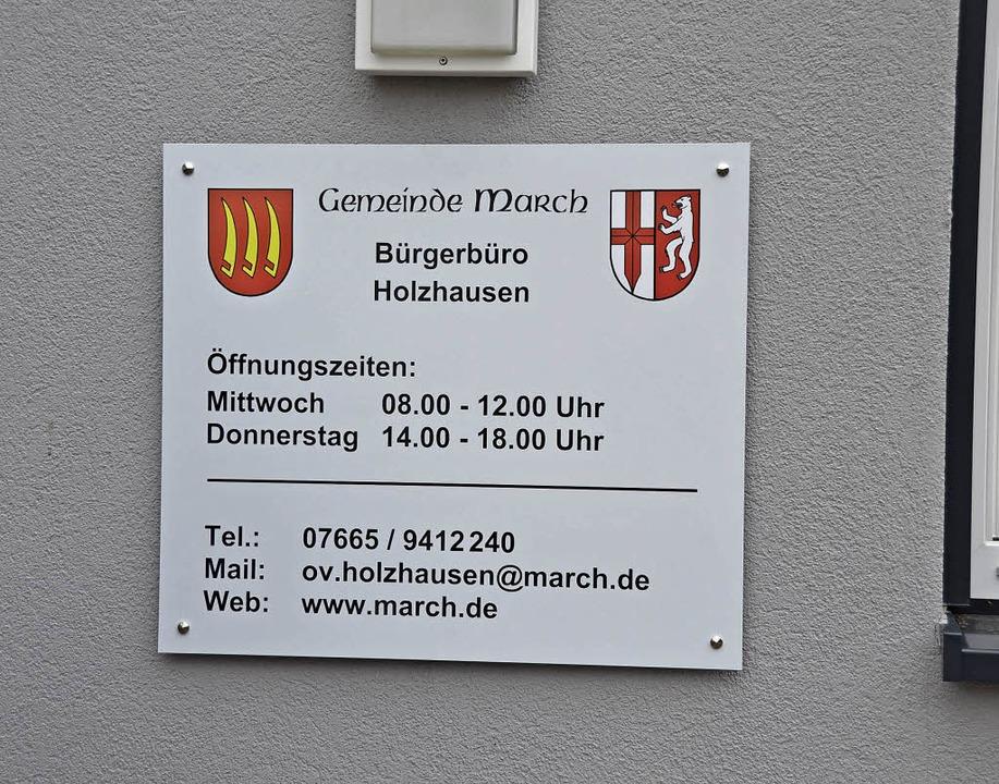 Nur auf dem Schild hat das Bürgerbüro ...meinderatsmehrheit 2018 wieder ändern.  | Foto: Manfred Frietsch