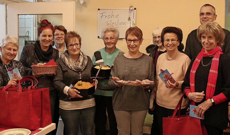 Die Frauengruppe der Freien Wähler ver...Weihnachtsessen im Erich-Reisch-Haus.   | Foto: Katharina Bartsch