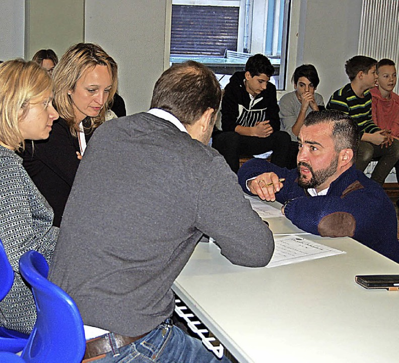 Die Lehrerjury: Katharina Zangl,  Clau...ten sich zusammen mit Susanne Schwer.   | Foto: Claudia Renk