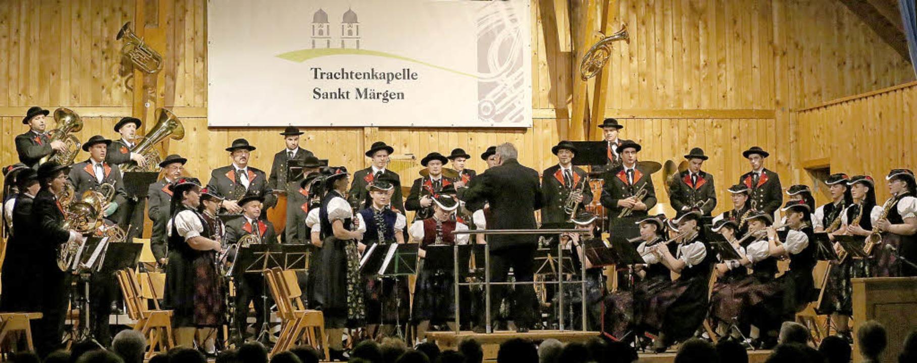 Eine Zeitreise bot die Trachtenkapelle...esuchern bei ihrem Weihnachtskonzert.   | Foto: Heinrich Fehrenbach