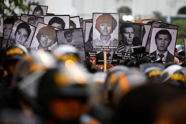Fujimoris Begnadigung reißt in Peru alte Wunden auf