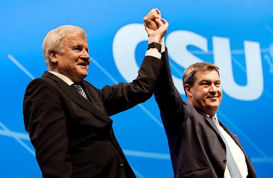 Die CSU ist vor Beginn der Sondierungs...che mit der SPD auf Krawall gebürstet.  | Foto: dpa