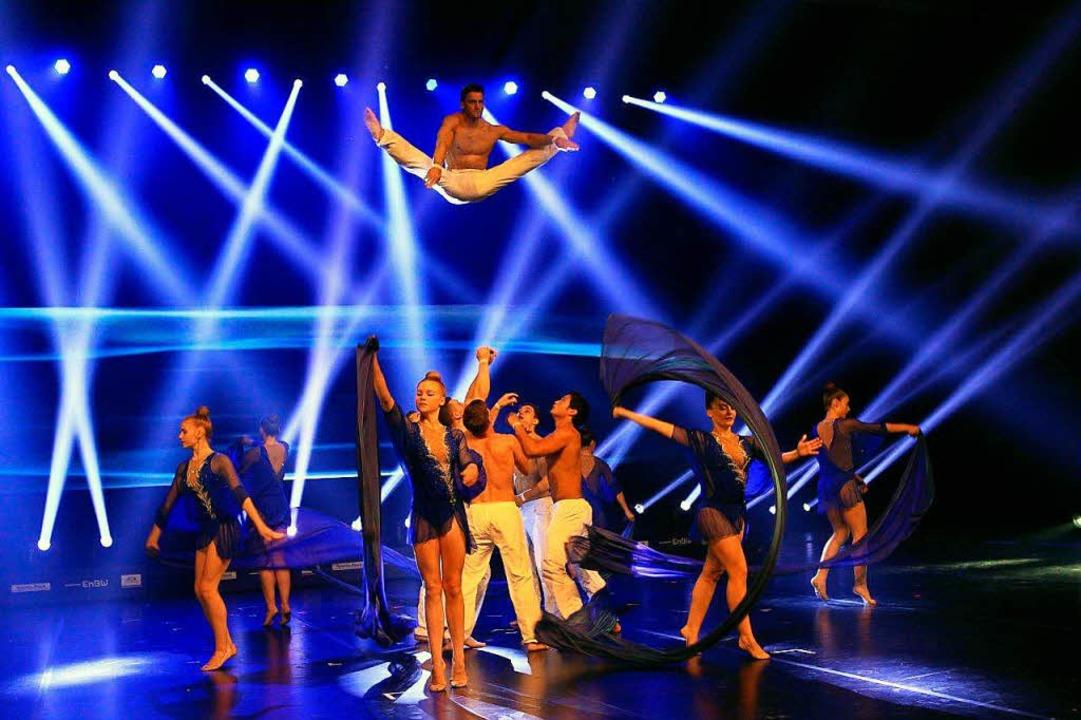 Tanz, Show, Akrobatik – bei der Turn-Gala wird alles geboten.  | Foto: Oliver Hanser