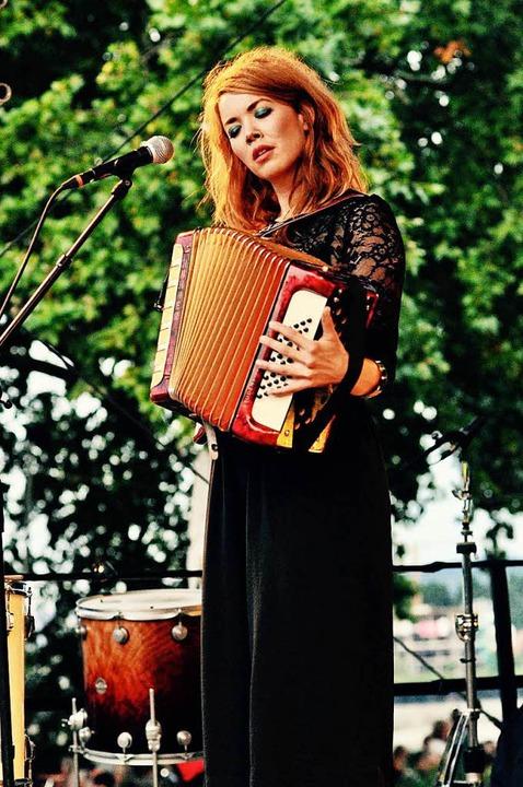 Magdalena Ganter an ihrem Arbeitsplatz – der Bühne.  | Foto: Sabine Büttner