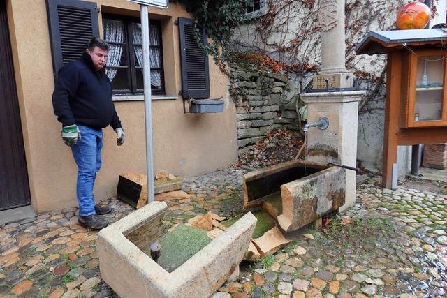 Zunzinger Dorfbrunnen zerstört – Anwohner hören furchtbaren Knall