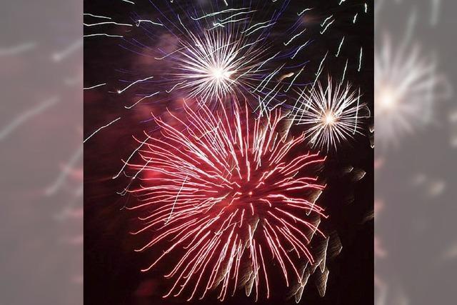 Feuerwerk und sogar ein paar Sonnenstrahlen zum Jahreswechsel